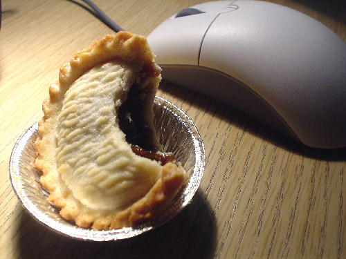 aussie_meat_pie_sized.jpg